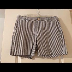 Banana Republic Shorts - Searsucker shorts